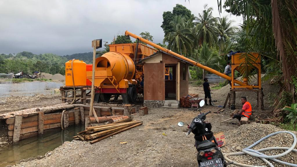 AJY-35 Mobile Batching Plant Working In Ambon, Indonesia